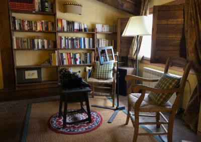 Rural House Los Cipreses de Mesones Guadalajara next to Madrid - Photo of the reading corner