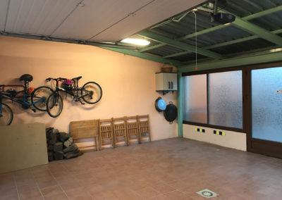 Casa Rural Los Cipreses de Mesones Guadalajara cerca de Madrid - Foto del garaje