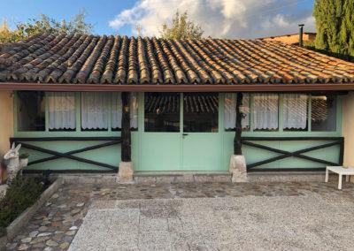Rural House Los Cipreses de Mesones Guadalajara next to Madrid - Photo of the back porch