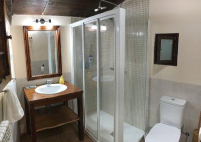 Rural house Los Cipreses de Mesones near Madrid Spain - Bathroom for Los Relojes and Las Encinas