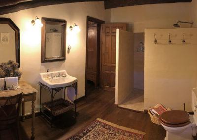 Rural house Los Cipreses de Mesones near Madrid Spain - Bathroom for El Olivo