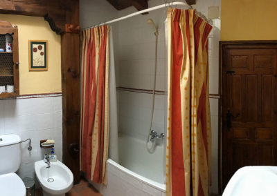 Rural house Los Cipreses de Mesones near Madrid Spain - Bathroom for Los Cipreses