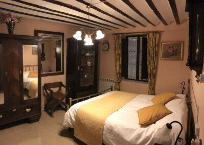 Rural House Los Cipreses de Mesones Guadalajara next to Madrid - Photo of the bedroom Los Relojes
