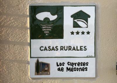 Casa Rural Los Cipreses de Mesones Guadalajara cerca de Madrid - Foto de placa exterior
